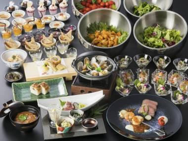 【飲み放題付】夕食は海辺のレストランで和洋ハーフバイキング■温泉・駐車場無料■